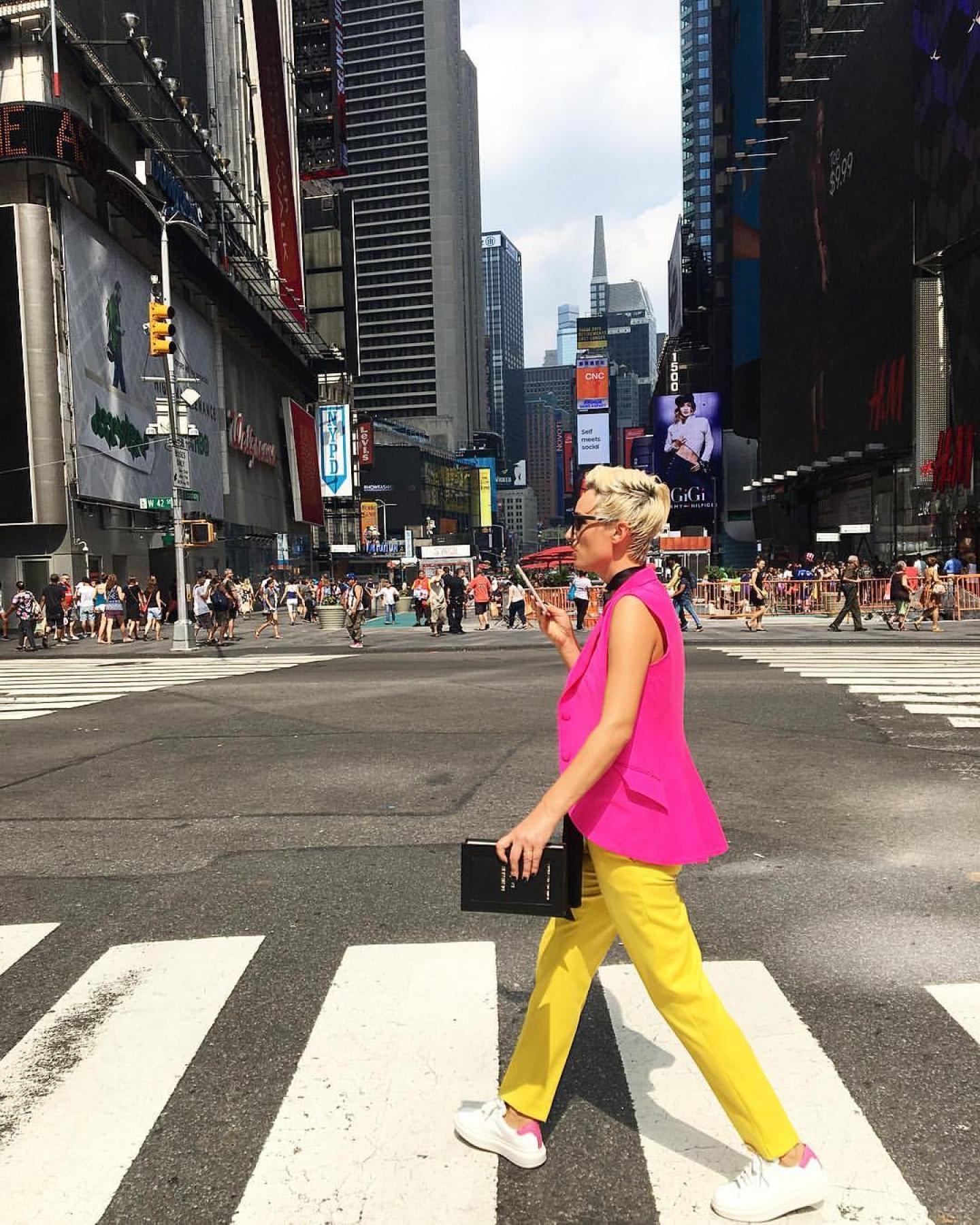 CARMEN NEGOITA - Blogging #NYFW
