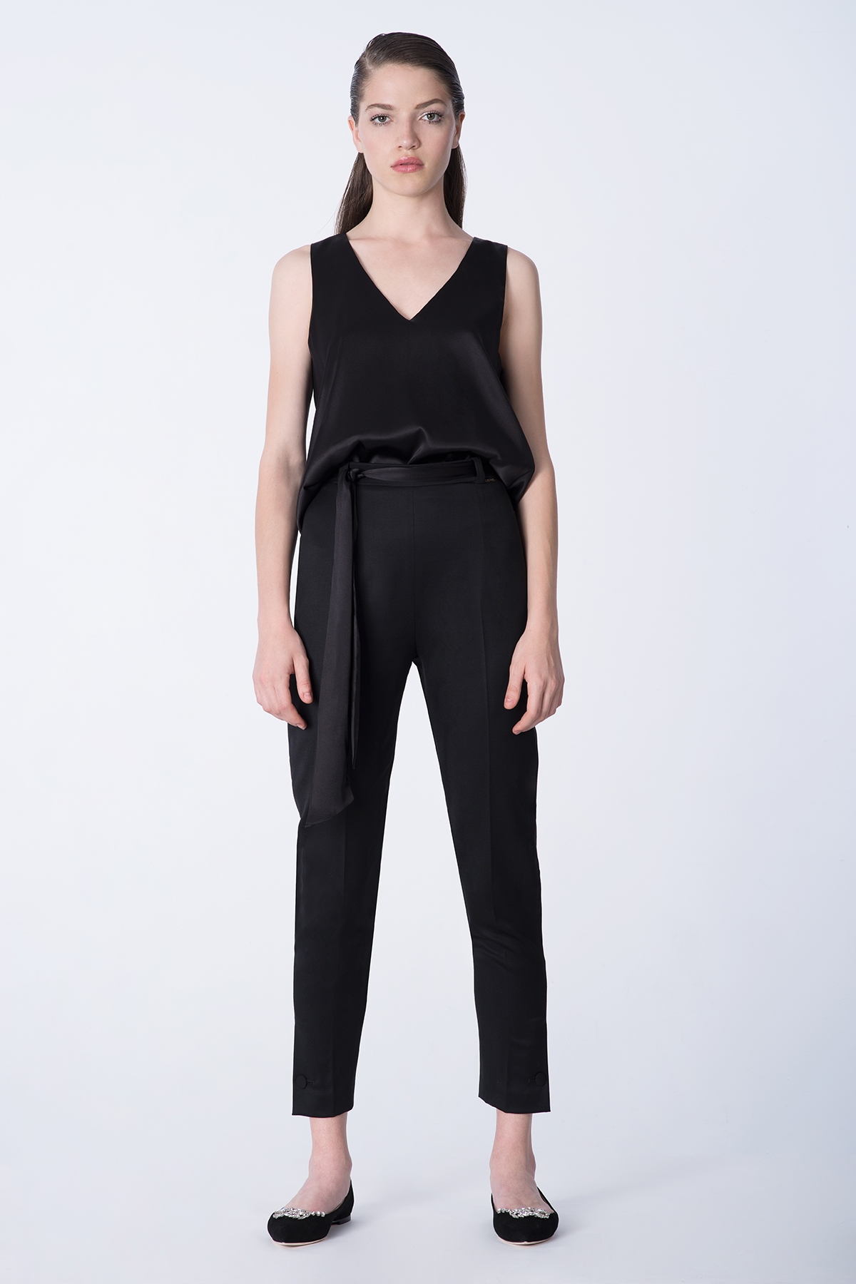 BLACK WOOL CIGARETTE PANTS WITH BUTTON CUFF