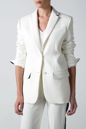 WHITE OVER-SIZED BLAZER WITH BLACK DETAILS