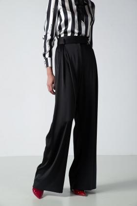 BLACK SUPER WIDE-LEG PANTS