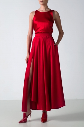 RED LONG SKIRT WITH SINGLE POCKET