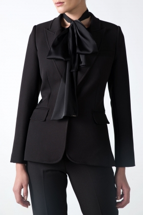 BLACK BLAZER WITH PEAK LAPELS