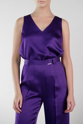 PURPLE SILKY V-NECK TANK