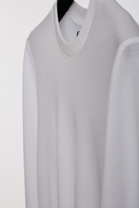 WHITE BLOUSE HANDCRAFTED OF LYOCELL