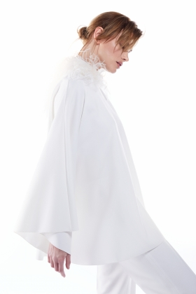 BRIDAL PUFFY SHOULDERS DRESS OSTRICH FEATHERS EMBELLISHED WITH POCKETS