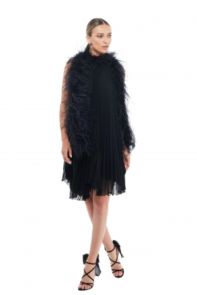 PLEATED BALCK DRESS WITH OSTRICH FEATHERS TRIM