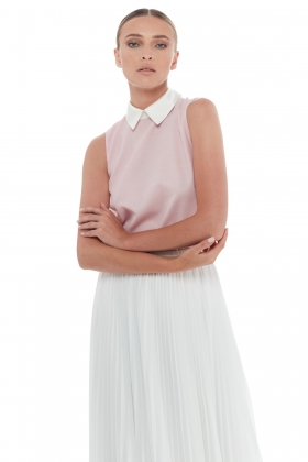 TOP WITH CONTRAST SHIRT COLLAR